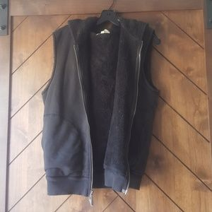 Sleeveless fur jacket